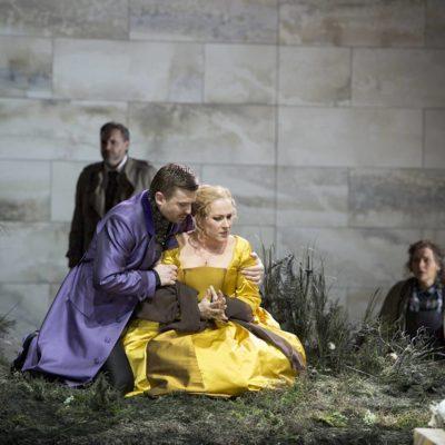 Maria Stuarda role debut at Opernhaus Zürich. Photo: Monika Rittershaus